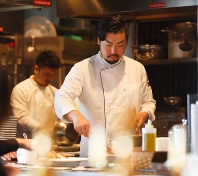 【グリル料理×ワイン×くつろぎの空間】で話題のレストラン!経験の幅をさらに広げたい方!